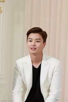 Korean Celebrities, Korean Actors, My Shy Boss, Yeon Woo Jin, Hoe, Dramas, Gallery, Sweetie Belle, Roof Rack