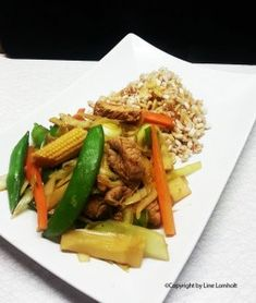 Kinesisk inspireret kalkunwok Asian Recipes, Ethnic Recipes, Wok, Cakes And More, Japchae, Sushi, Avocado, Food Porn, Pasta