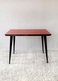 Formica table and black iron structure ('60-France) www.vadevintage.com