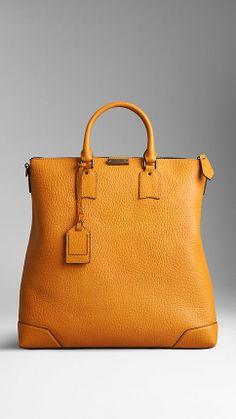 Heritage Grain Leather Tote Bag | Burberry