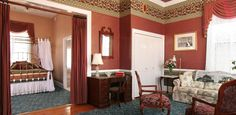 King Edward: One of the largest Jersey Shore suites in the House of Royals building #CapeMay