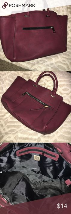 Gal Brand Beautiful 👛 !!!  Great Condition 😃 LIKE NEW.  PERFECT PURSE for carrying all your Necessities 👜.  You will LOVE the deep Burgundy color for Winter ❄️❤️😀 Also has zipper storage on both sides. GAL Bags Satchels