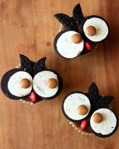 Owl Cupcakes - made with Oreo cookies!