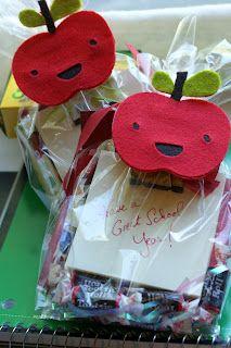 KarenScraps, felt apple pins with Cricut Create A Critter cartridge