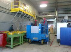 TRANSIDREL Gruniverpal, Lifting Equipment for Frontal and Lateral Handling of Extra Large Plastic Molds.