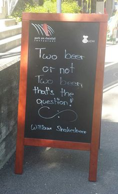 Funny pictures about William Shakesbeer. Oh, and cool pics about William Shakesbeer. Also, William Shakesbeer. Funny Bar Signs, Beer Signs, Restaurant Quotes, Restaurant Restaurant, Restaurant Design, Bar Quotes, Pub Design, Hey Bartender, Drinking Quotes