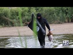 VIDEO: Reporter Crosses Border Into Texas Waving ISIS Flag And Openly Carrying Severed Head | John Hawkins' Right Wing News