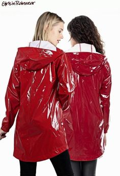Girls Raincoat, Red Raincoat, Vinyl Raincoat, Plastic Raincoat, Imper Pvc, Rainy Day Fashion, Langer Mantel, Girls Together, Pvc Coat