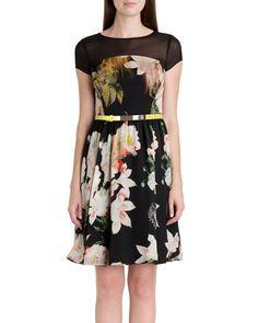 AS18722#Dress Price : IDR 209.000 Original : China Material : Chiffon M : Bust 94cm Waist 76cm Length 87cm With Back Zipper 200grams Line : hooki.yeo WA : 081268041315 BBM : 7CF7091C www.deladiesfashion.com