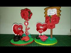 tierno corazón de foamy o goma eva - YouTube Dulceros Halloween, Xmas, Christmas Ornaments, Foam Crafts, Valentines Day, Baby Shower, Holiday Decor, Creative, How To Make