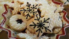 Best Christmas Desserts, Easy Christmas Treats, Christmas Sugar Cookies, Xmas Food, Christmas Cooking, British Biscuit Recipes, British Biscuits, Biscotti Cookies, Fun Desserts