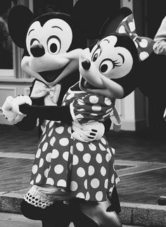 Minnie and Mickey Mouse phone wallpaper background