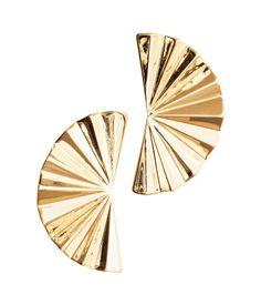 Ohrringe aus Metall. Länge 3,5 cm.