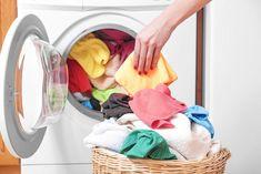 ¿Crees que pones la lavadora correctamente? Hay algunas cosas que hacemos mal y que quizá no lo sabes. Echa un vistazo a estos errores comunes y ¡evítalos!