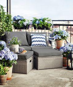Make the small balcony look great - the right decor creates wonderful effec Condo Balcony, Tiny Balcony, Porch And Balcony, Balcony Ideas, Porch Furniture, Garden Furniture, Outdoor Furniture Sets, Outdoor Sofa, Outdoor Spaces