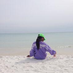 Beach must haves spirit jersey & vineyard vines // via urchelbelle on Instagram preppy style
