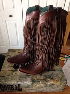 Got my new boots in finally!! Been waiting for awhile!! Corral fringe tall hand stitched premium leather ahhhh they smell amazing ..