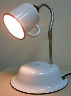 Geschirr & DIY - cups and plates Upcycling geschirr aus blech Radiant Heat And Ceramic Floor Tile If Lampe Steampunk, Dorm Lighting, Desk Lamp, Table Lamp, Diy Luminaire, Pipe Lamp, Light Fixtures, Diy Furniture, Mason Jars