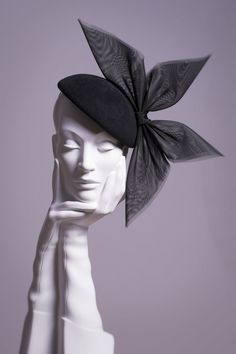 William Chambers is a leading British milliner based in Glasgow, Scotland. He creates hats for weddings, races and other special events and is stocked in the UK's top department stores and his own Glasgow store. Millinery Hats, Fascinator Hats, Fascinators, Headpieces, Greek Goddess Statue, Katherine Elizabeth, Arabic Jewelry, Floral Headdress, Head Jewelry