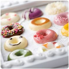 Still have yet to try these jelly donuts. For more flavors, take a look at my previous post on Toro Nama Donut. Modern Cakes, Unique Desserts, Cute Candy, Cupcakes, Mini Foods, Sweet Bread, Cute Food, Sweet Life, Macaroons