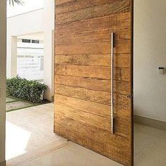 ― DoraLettieri+GiovaniniLettieriさん( 「Porta de demolição by Rose Bueno 👌🔝 Modern Front Door, Wooden Front Doors, The Doors, Entrance Doors, Windows And Doors, Garage Doors, Door Design, House Design, Pivot Doors