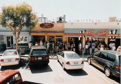 pizza my heart, capitola, ca  rain or shine there's always a line...