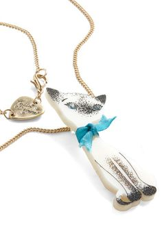 Cat Live Without Necklace
