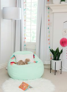 Let Your Kids Have a Fun Bedtime with 4 Girls Bedroom Decor Ideas - It doesn't really matter whether the room is big or small because what is more important for girls bedroom decor is your growing princesses enjoy the most of their time there. My New Room, My Room, Girl Room, Cute Bedroom Ideas, Girl Bedroom Designs, Design Bedroom, Teen Bedroom, Bedroom Wall, Decoration Bedroom