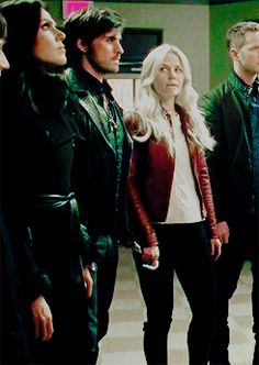 OUAT - Captain Swan holding hook and hand