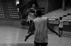 Ejercicio de coordinación, Aldo Serneguet. 29 de agosto #UA #UniversidadAlicante #Lucentum #UALucentum #LigaEBA #GrupoEA #baloncesto #basket