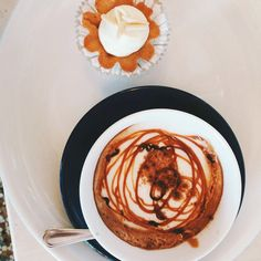 BUONGIORNO ARTISTI ☀️☀️☀️ #goodmorning #artist #cappuccino #pastry #breakfast #eatwithstyle #eatwithlove