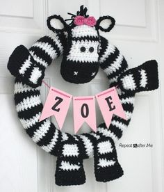 Repeat Crafter Me: Crochet Zebra Wreath. More adorableness that must be made and customized.