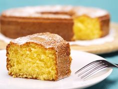 Natural yogurt cake ingredients Crisis and your users love cakes! Did you know the carrot cake is always among the most accessed recipes on th Resep Sponge Cake, Sweet Recipes, Cake Recipes, Cake In A Jar, Light Cakes, Cake Name, Yogurt Cake, Russian Recipes, Cake Tins
