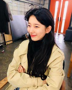 Suzy Bae For Marie Claire Taiwan (美麗佳人) 2018 Suzy Drama, Suzy Instagram, Miss A Suzy, Korean Short Hair, Beautiful People, Beautiful Women, Beauty Makeover, Korean Girl Photo, Shot Hair Styles