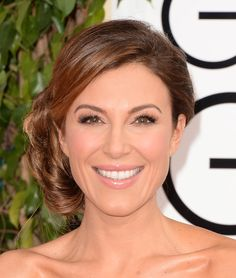 Thea Andrews Chignon - Thea Andrews looked oh-so-romantic with her side chignon during the Golden Globes. Side Chignon, Updos, Wedding Hairstyles, Hair Styles, Beauty, Wedding Ideas, Projects, Up Dos