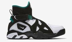 The Nike Air Unlimited Makes A Return - EU Kicks: Sneaker Magazine Basketball Tricks, Best Basketball Shoes, Nike Basketball, Basketball Players, Louisville Basketball, Nike Air, Sneaker Magazine, Sneaker Release, Urban Outfits