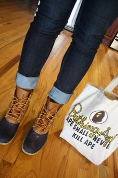 Bean boots and rolled up jeans~yup will be doing this again this year. I love Bean boots! Fall Winter Outfits, Autumn Winter Fashion, Looks Style, Style Me, Winter Looks, Winter Style, Vetements Clothing, Rolled Up Jeans, Cuffed Jeans
