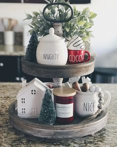 Simple home decor for Christmas time in the kitchen Christmas Coffee, Christmas Sweets, Merry Little Christmas, Christmas 2017, Winter Christmas, Christmas Kitchen, Country Christmas, Christmas Crafts, Decoration Noel