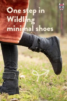 Model 'Crow' from this years fall / winter collection 2020/2021. More details are available on the Wildling Shoes website. photo by nadjahuebner #wildlingshoes #freechildhood #wildchildhood #helloautumn #naturalchildhood #barefootshoes #minimalshoes #madeinEurope #designedinGermany #designedintheUS #befree #bewild