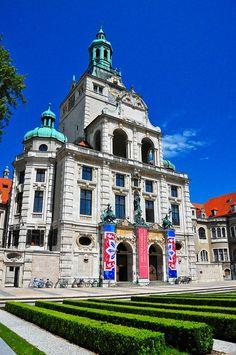 Het Bayerische National Museum is één van de belangrijkste kunst- en cultuurhistorische musea van Europa. #Munchen