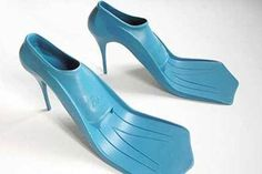 New beach shoes combine high heels and flippers… are you kidding me? New beach shoes combine high heels and flippers… are you kidding me? Funky Fashion, Moda Fashion, Crazy Fashion, Fashion Trends, High Fashion, Beach Fashion, Fashion 2015, Fashion Wear, Unique Fashion