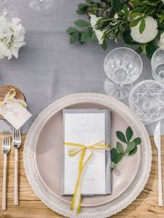 La Tavola Fine Linen Rental: Tuscany Silver Table Runner with Tuscany Silver Napkins | Photography: Braedon Flynn, Planning & Design: Sterling Social Events & Experiences, Florals: Olive Willow Designs, Rentals: Casa de Perrin and Signature Party Rentals, Paper Goods: Pitbull and Posies