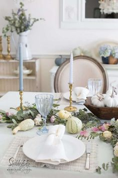 How to set a beautiful table with pastel colors for fall. How to set a beautiful table with pastel colors for fall.