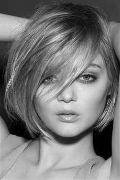 Short bob / long bangs. I will have this by winter 2013!