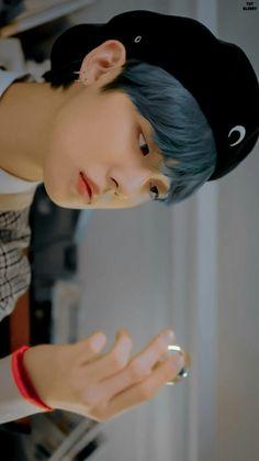 Jimin, Kpop, Boyfriend Material, Blue Hair, Types Of Fashion Styles, Beauty, Wallpaper Lockscreen, Wallpapers, Txt Magic