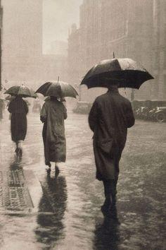 Charles E Wakeford    April showers, circa 1935    (Facie Populi)