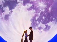 Sailor Moon Gif, Sailor Moon Fan Art, Sailor Moon Wallpaper, Cartoon Girl Drawing, Girl Cartoon, Tuxedo Mask, Moon Princess, Aesthetic Gif, Serenity