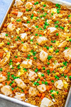 """Sheet Pan Chicken Fried Rice Sheet Pan Chicken Fried Rice – Easy HEALTHIER """"fried rice"""" that's actually baked and not fried! Full of authentic flavor and ready faster than you can call for takeout! Perfect for busy weeknights and a family FAVORITE! Vegetarian Recipes Dinner, Easy Dinner Recipes, Appetizer Recipes, Easy Meals, Low Carb Meal, Healthy Low Carb Recipes, Healthy Foods, Healthy Eating, Asian"""