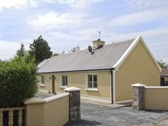 PRICE FROM £207.00 PW SLEEPS 4 BEDROOMS 2 BATHROOMS 2 PET FREE This traditional, detached cottage has two bedrooms and can sleep four people in the grounds of the owner's working farm near to the village of Milltown in County Kerry.