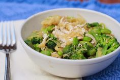 SImple spaghetti squash with chicken and broccoli...paleo friendly and eat clean!